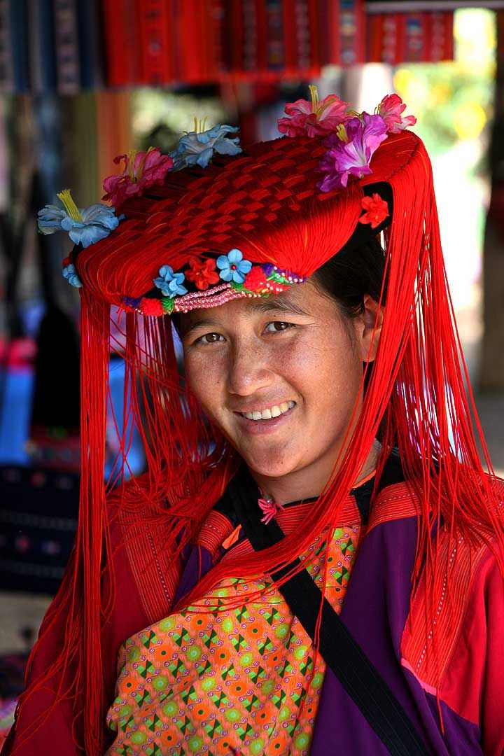 The Lisu people are a Tibeto-Burman ethnic group who inhabit the mountainous region of Arunachal Pradesh.  Lisu people in India are called Yobin. There are about 5,000 Lisu people in India. The Lisu tribe consists of more than 58 different clans. Each family clan has its own name or surname. Lisu history is passed from one generation to the next in the form of songs. Today, this song is so long that it can take a whole night to sing.