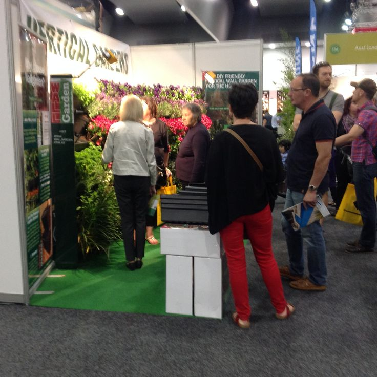 Packed from 10am to 6pm, over three days, explaining the Wallgarden system.