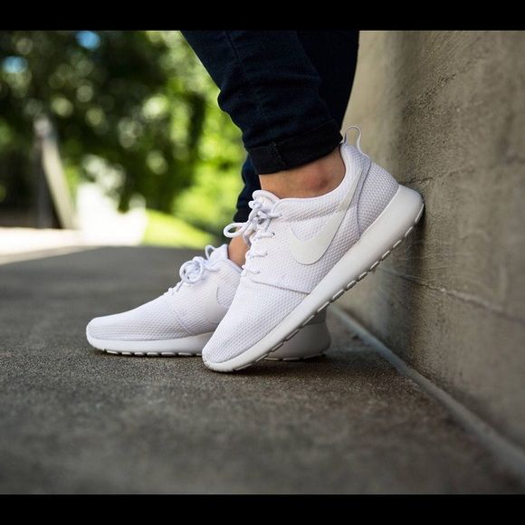 New all white nike roshe roshes run These where costume made on NikeID to be all white. You can find the original roshe for less but Bc it was customized the original price is a bit more expensive. All white. Brand new. Does not come with box but I can get out a shoe box if you request one. Comfortable and cute. Open to offers. NO LOW BALLING. And NO TRADING. Thank you! I also sell on ( M e r c a r i) & I do free shipping through there  Nike Shoes Sneakers