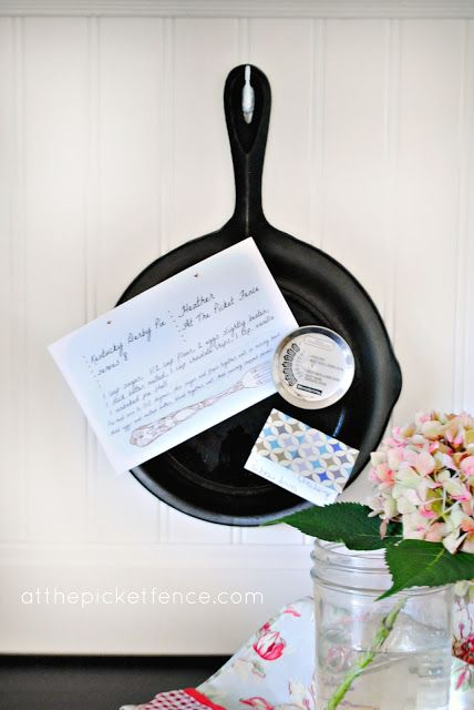 cast iron skillet, kitchen, memo board, DIY, craft... would like to do this with one of moms small cast iron pots