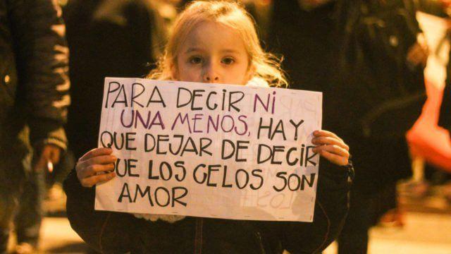 Las 30 imágenes de la marcha #NiUnaMenos en Mar del Plata - 10 Ahora
