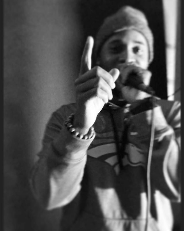 Reposting @doxisun: ☝🏾 . . . #dox #music #denver #one #love #denverphotography #broncos #mic #perform #hiphop #instagood #peace #hysgt #soul #cali #mood #work #focus #newyear #hookah #smoke #beats #rhymes #record