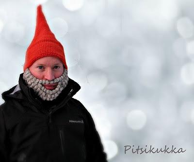 Elf hat with crochet beard