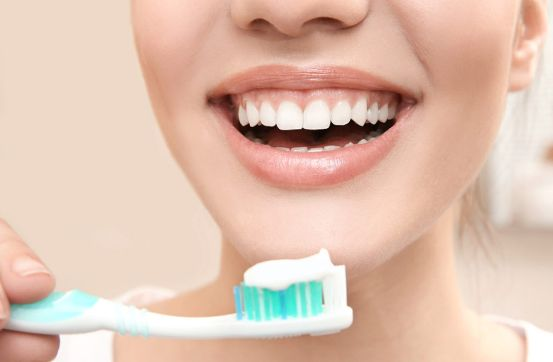Top Tips To Maintaining Healthy Teeth And Gums & Smart Health Shop