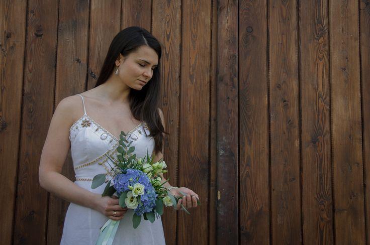 Bukiet Ślubny #slub #bukietslubny #slubneinspiracje #zielonenabialym #hortensja #slubwplenerze #slubjeleniagora #slubmyslakowice #bohemian #wedding #weddingbouquet #niebieskislub