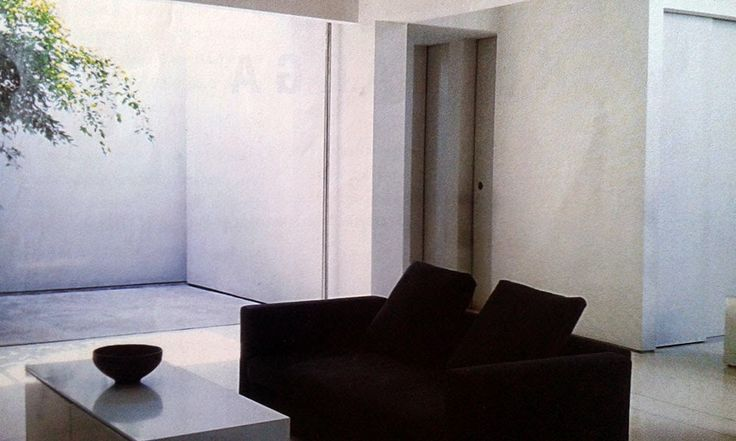 Desain Ruang Keluarga Minim Perabot yang Menenangkan - Rumah Kita
