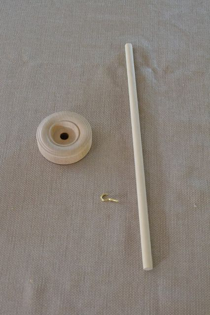 Of Wool and Loveliness: Make an Easy Drop Spindle for $1.75