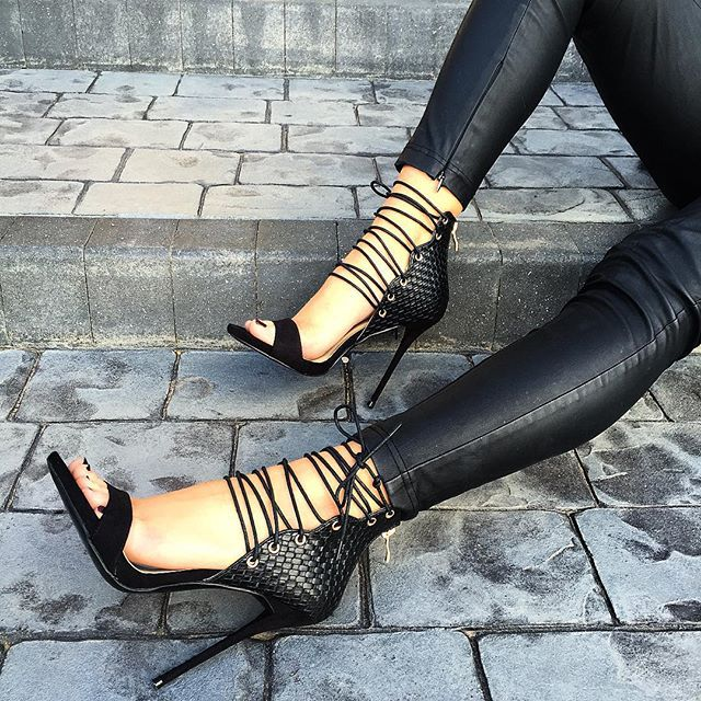 SIMMI SHOE GAME TOO STRONG   Shoes: Regan - £35.00  Colours: Black, Khaki & Nude  Shop: simmishoes.com  #SIMMIGIRL