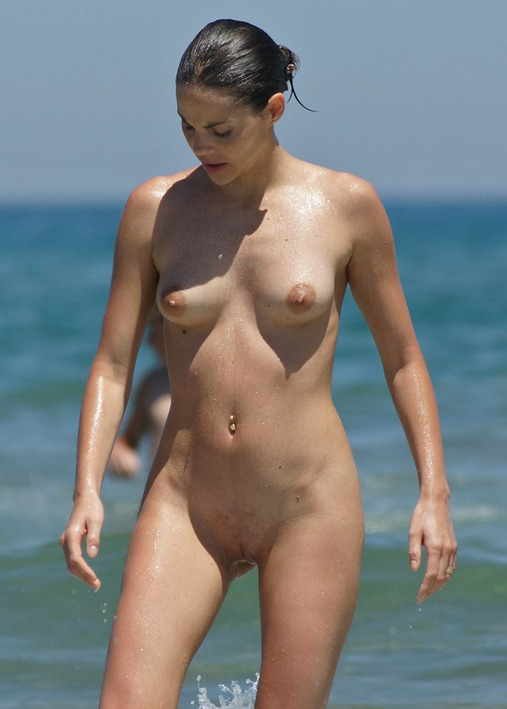 Nude women having sex-2098