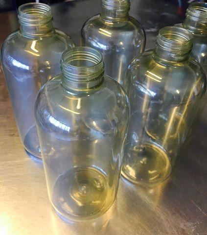 I flaconi che TEA NATURA utilizza per tutti i suoi shampoo sono ottenuti da PET riciclato ottenuto dalla raccolta differenziata delle bottiglie di acqua minerale... #TeaNatura #Vecchiabottega #shampoobio #PET #riciclare #ambiente #buonepratiche