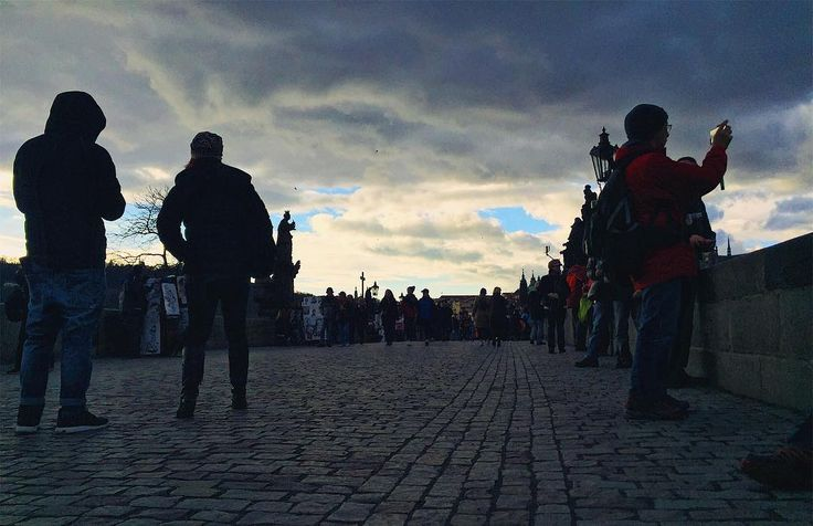 I cought them all! People on the #CharlesBridge  in #Prague