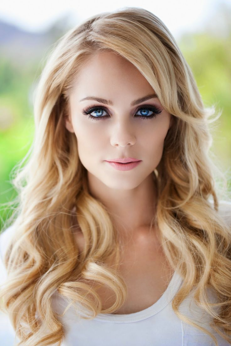 Laura Vandervoort  September 22nd