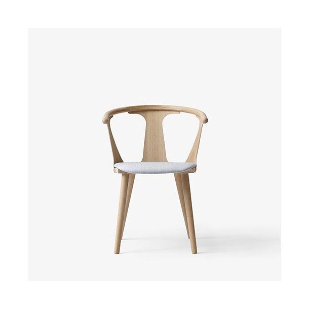 &Tradition - In Between stol - Polstret sæde - Hvidolieret eg