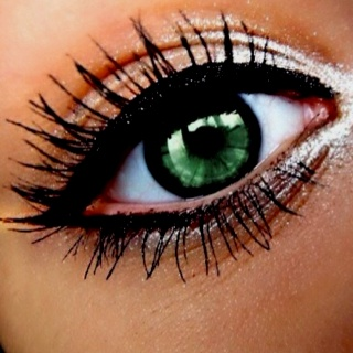 As we watch famous celebrities such as Beyonce, Jennifer Lopez and others walk down the red carpet, we can't help but see they have the most amazing eyes.