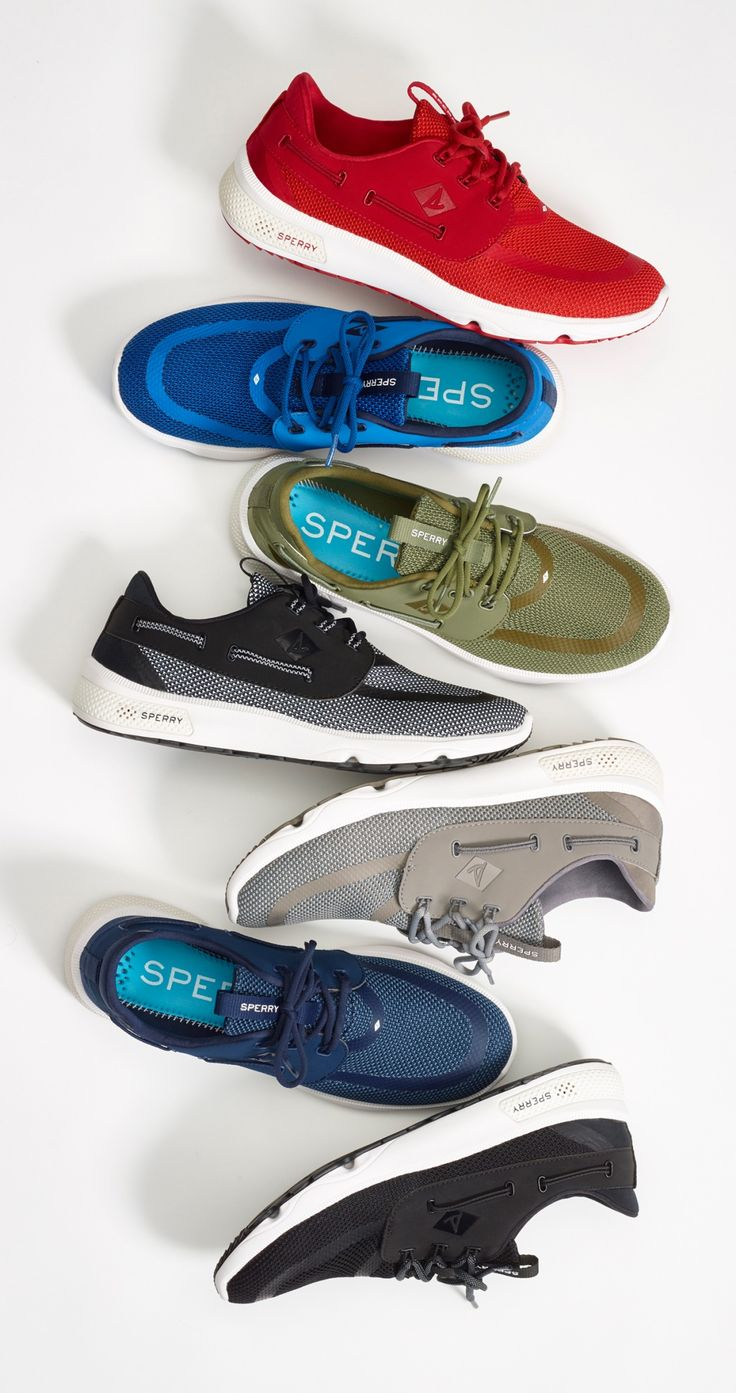 The Sperry 7 SEAS boat shoe is born from the sea and built for the world.