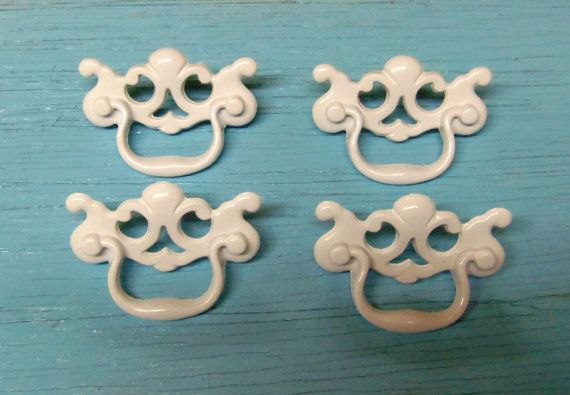 2.5 inch drawer pulls white 2