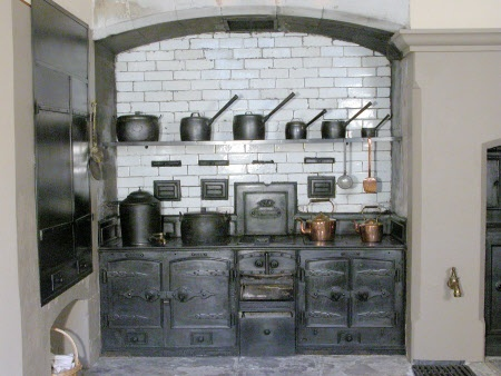 Victorian cast iron cooking range at Attingham Park...beautiful (I bet it was hotter than blazes!)!