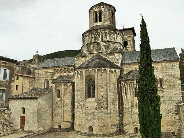 Eglise abbatiale de cruas ard che france romanesque for Architecture eglise