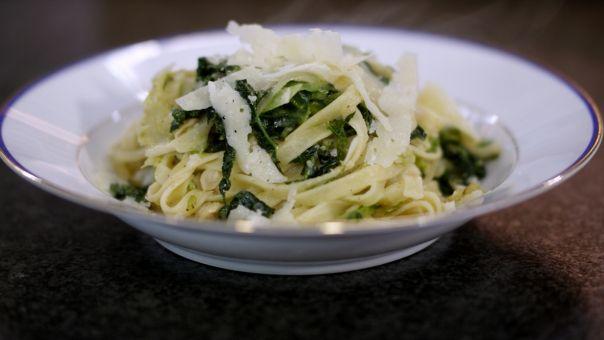 Eén - Dagelijkse kost - Tagliatelli met savooi, witte bonen en pecorino