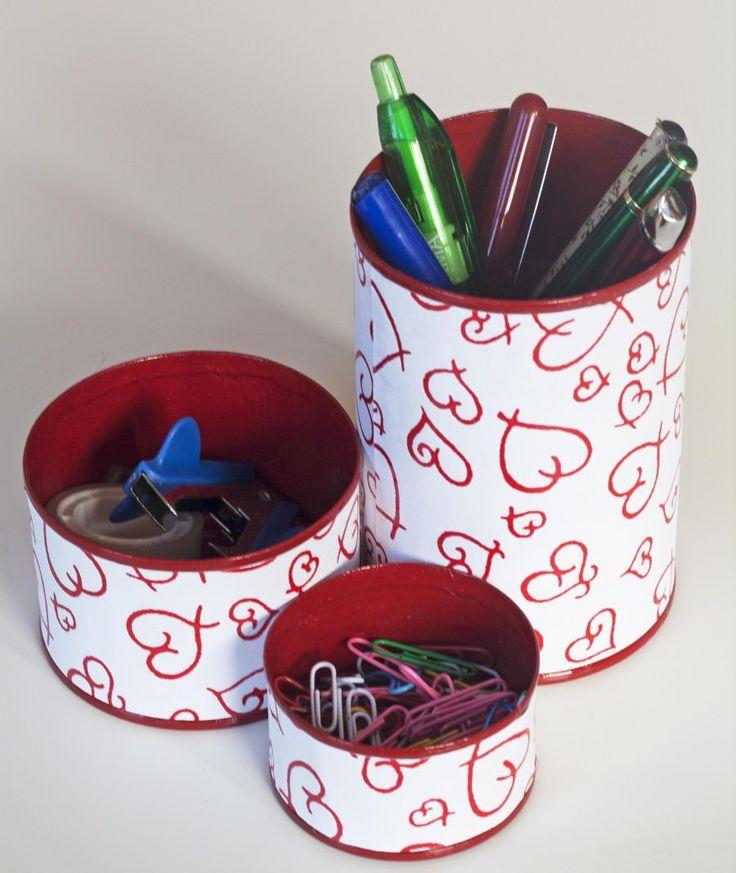 Organizar utilizando latas recicladas