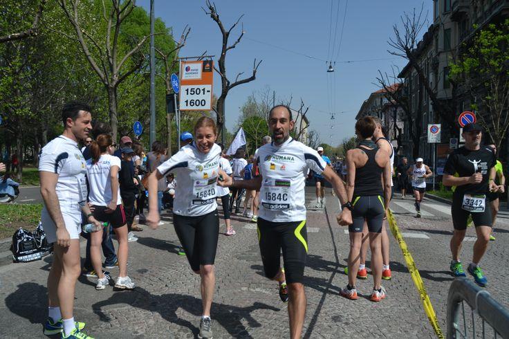 Al punto di cambio della staffetta!  #milanomarathon #marathon #staffettaMi #staffetta #milan #running #runners #run #milano