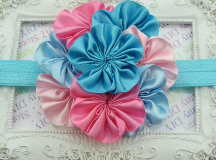Small Peeps - Luxurious Baby Head Band (http://www.smallpeeps.com/luxurious-baby-head-band/)