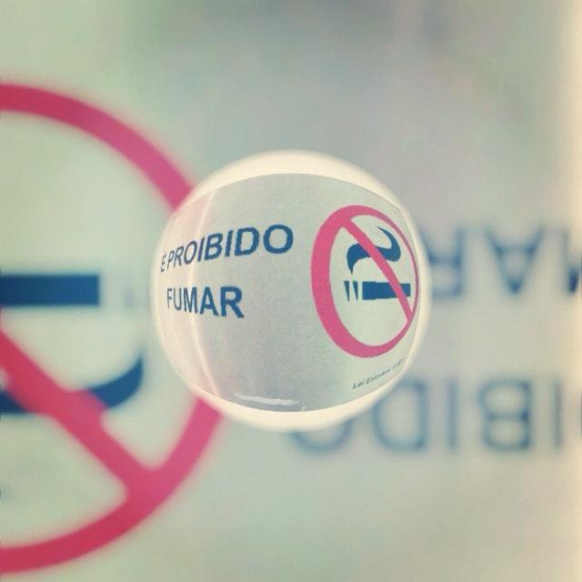 É proibido fumar / No smoke