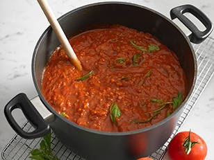 Adrian Richardson's meat sauce! recipe - New Idea Magazine - Yahoo!7 Lifestyle