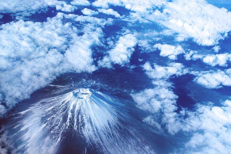 まだまだ抜けないお正月気分。おめでたいときにはやっぱり、富士山をドドーンと、ね。(画像: @gooddayscraps)