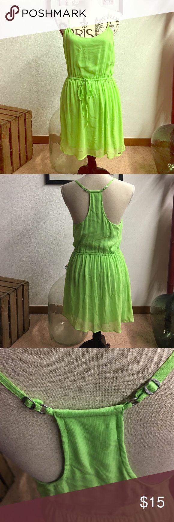 Lime green hollister dress Lime green elastic tie waist, razorback 💯 % polyester, lining 100% cotton Hollister Dresses Midi