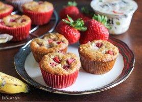 Strawberry Banana Muffins - Bakerita