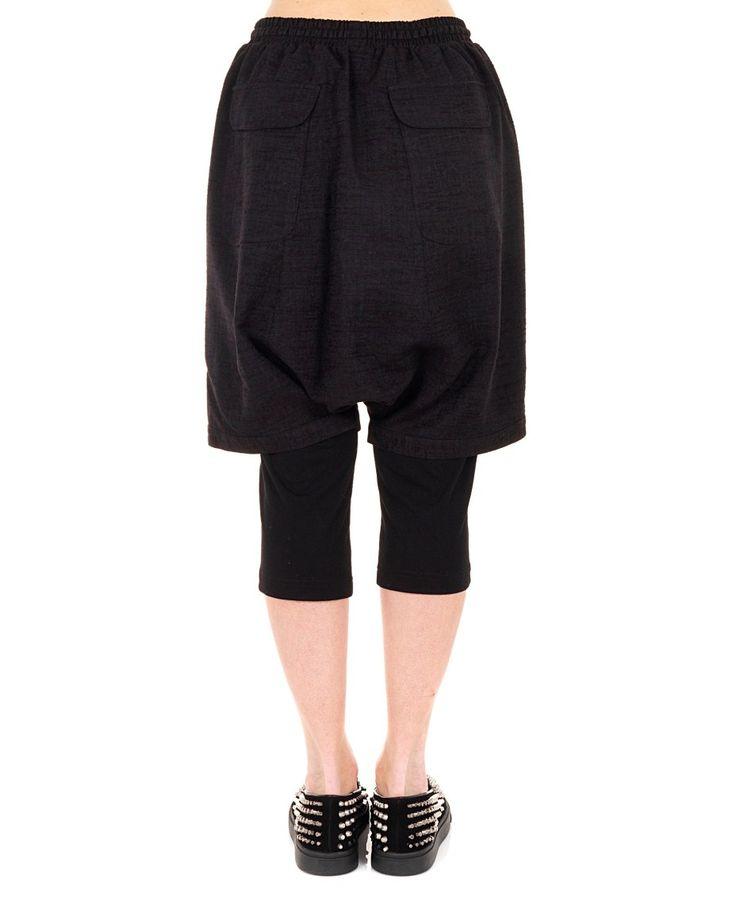 YOHANIX Black split leg shorts drawstring waist silk inserts two back pockets string closure 62% PL 33% RY 5% SE 54% PL 23% RY 23% AC