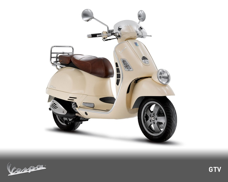 With a consumption of 35km/l at 70km/h, the Vespa GTV 300 is sheer performance.