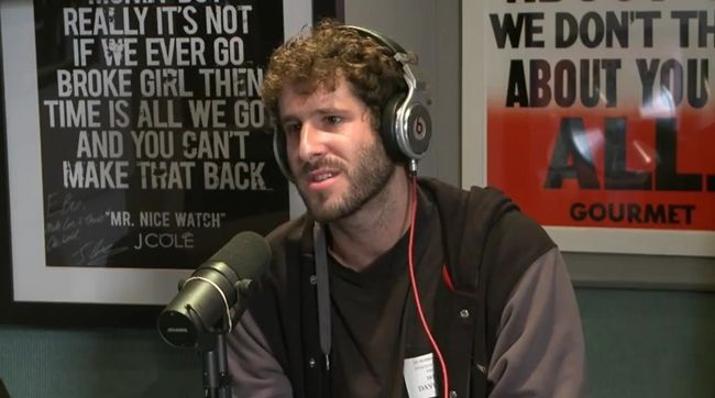 [Video] Lil Dicky (@lildickytweets) on Real Late with Peter Rosenberg!- http://getmybuzzup.com/wp-content/uploads/2014/10/Lil-Dicky-on-Real-Late-with-Peter-Rosenberg.jpg- http://getmybuzzup.com/lil-dicky-on-real-late-with-peter-rosenberg/- Lil Dicky on Real Late with Peter Rosenberg! By Amber B Lil Dicky recently sat down on the Real Late show with Peter Rosenberg to discuss his The Professional Rapper tour, his raising success on the internet, Diddy, Macklemore, and