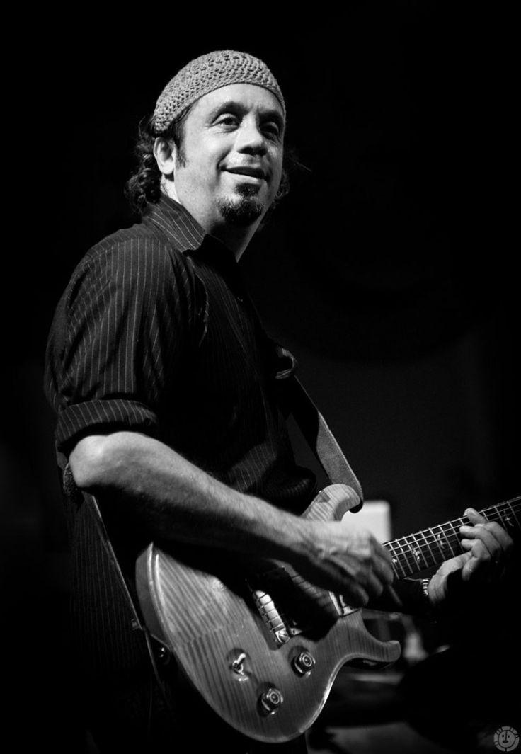 Millo Torres y el Tercer Planeta (rock band) in  Boquerón, Cabo Rojo, Puerto Rico.