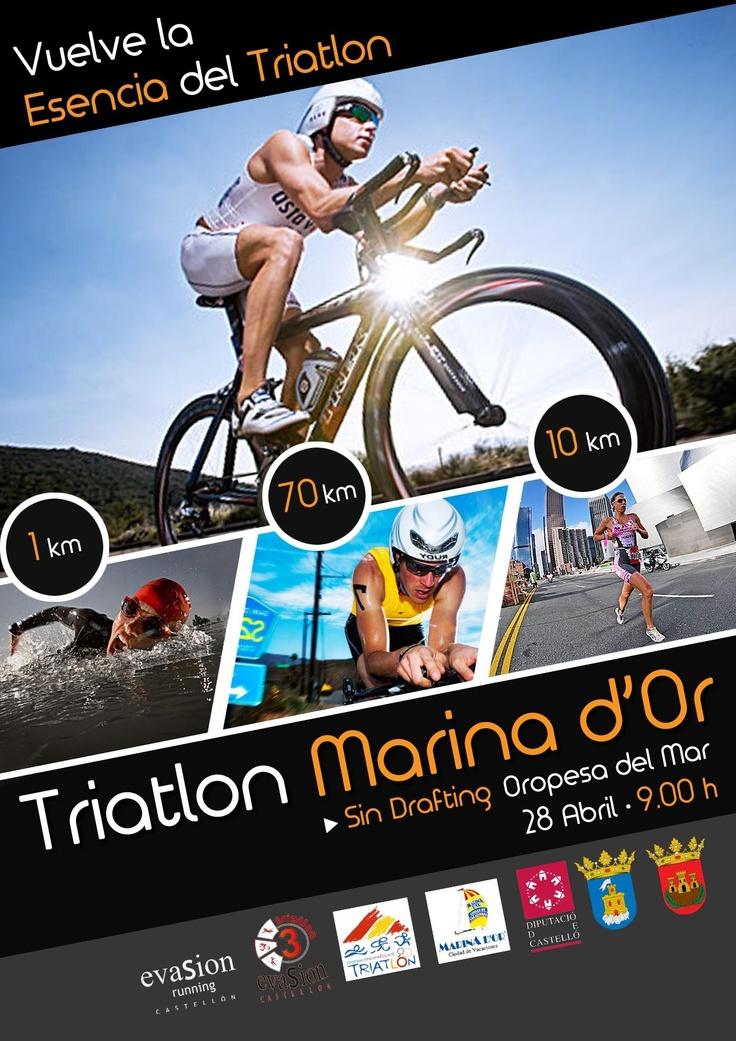Cartel de la Competición de Triatlón, compuesto de tres modalidades deportivas: 1 km de natación, ciclismo 70 km. y 10 km de carrera a pie. Inscripciones abiertas con alojamiento incluido.