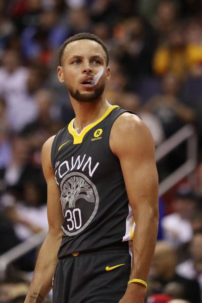 Stephen Curry of the Golden State Warriors in action against the Washington Wizards at Capital One Arena on February 28 2018 in Washington DC NOTE TO...