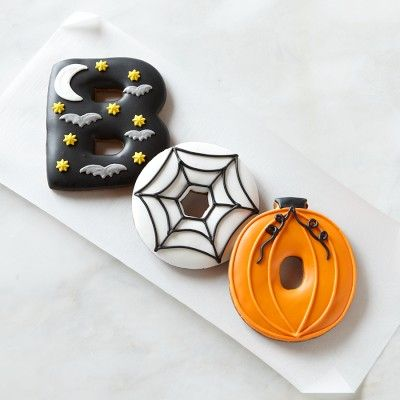 This most likely taste like crap, but they are pretty cute! Giant Halloween BOO Cookies #williamssonoma