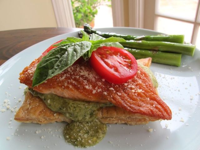 Puff Pastry Salmon with Pesto