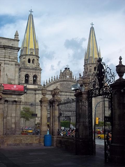 Guadalajara cathedral guadalajara mexico by sftrajan for Cerrajeros santiago de compostela