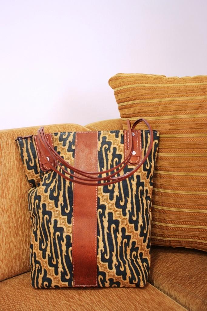 High Quality Handmade Batik Leather Bag , Custom Design     $20    #batik #batikbag #bag #leatherbag #leather