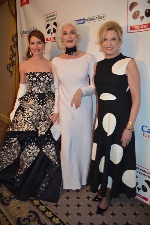 Jean Shafiroff and Carmen Dell'Orefice and The Hon. Carolyn B. Maloney.  Photo by:  Rose Billings/Blacktiemagazine.com Rose Billings/Blacktiemagazine.com http://blacktiemagazine.com/society_february_2017/Panda_Ball.htm