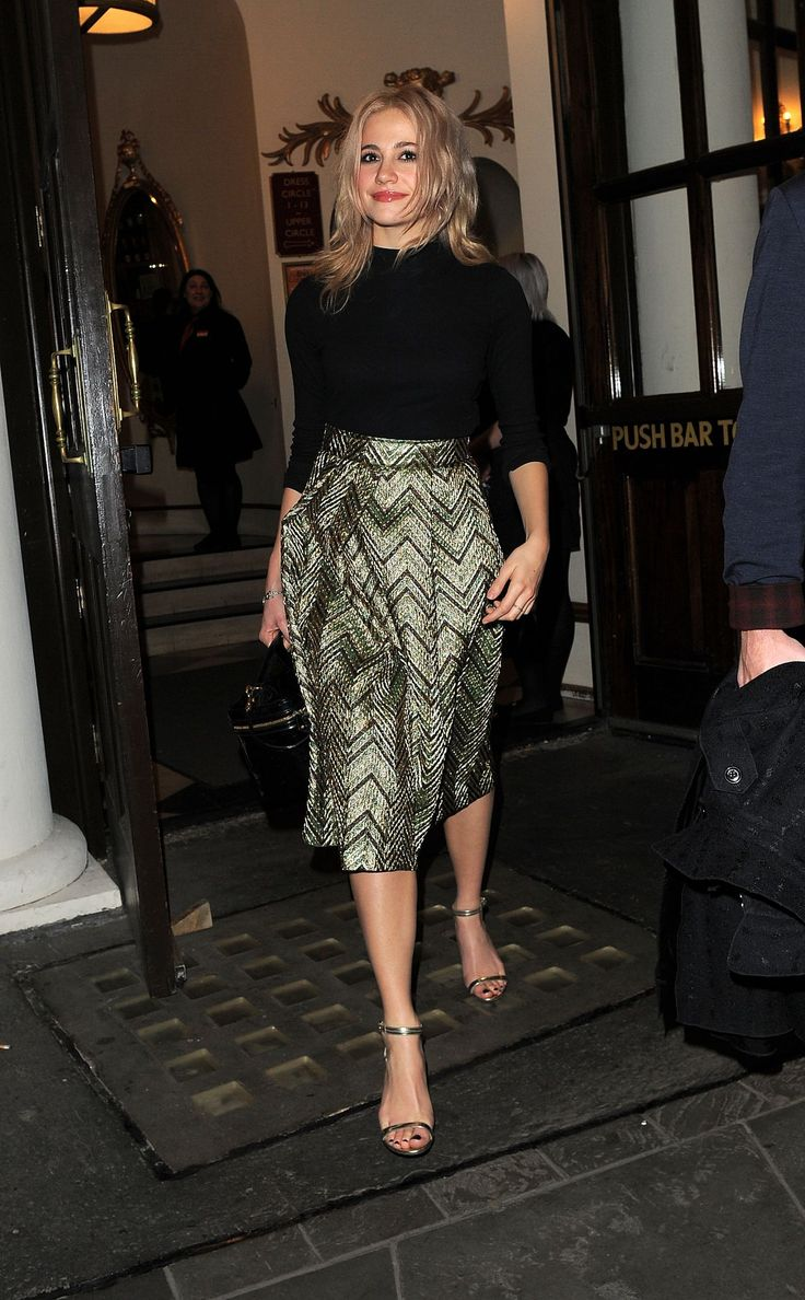 361 best pixie lott x images on pinterest pixies singer and the pixie lott style leaving the playhouse theatre in ombrellifo Gallery