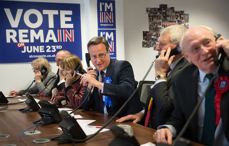 Prime Minister David Cameron helps to campaign for a 'Remain' vote in the forthcoming EU referendum at a phone centre in London today along with fellow pro EU campaigners, Lord Ashdown, Lord Kinnock and Tessa Jowell.  PRESS ASSOCIATION Photo. Picture date: Thursday April 14 2016. Photo credit should read: Stefan Rousseau/PA Wire