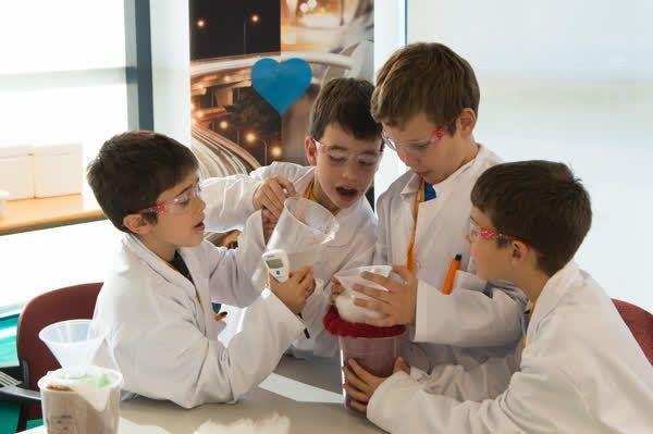 Cientifics per un dia.    http://qoo.ly/ffxf6    ✉ SIB pisos | www.sibpisos.com | 935199095 | C/ Secretari Coloma 121 - 08024 Barcelona