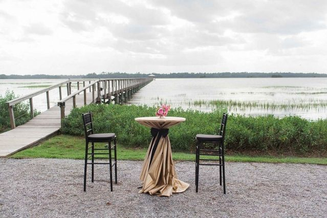 Robert & Margaret's southern wedding at Lowndes Grove Plantation | Charleston, SC | Real Wedding featured on Charleston weddings |  Photo by Gayle Brooker