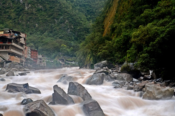 Aguas Calientes, Peru. I want to go!