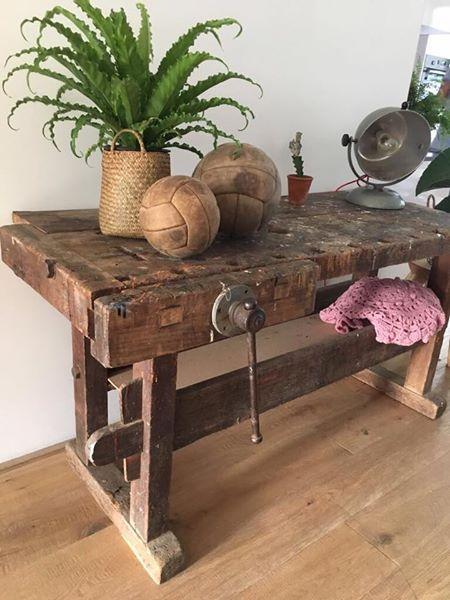 Rustieke meubels en laminaat wat meubels met uw huis uitstraling kunnen doen