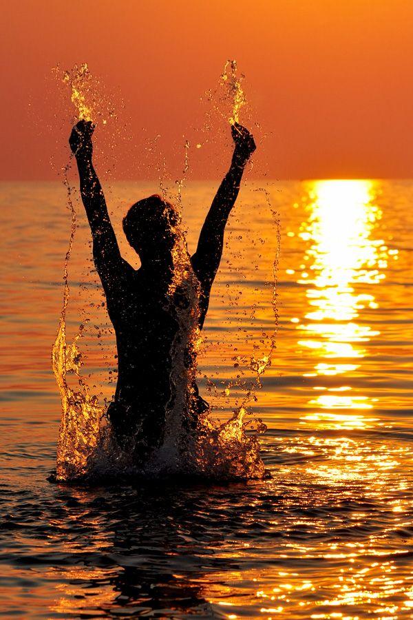 """500px / Photo """"Splash"""" by Alexander Kuznetsov"""