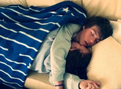 Aww xD cute couple sleep ❤️